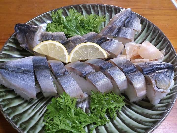彌助すしの鮎寿司